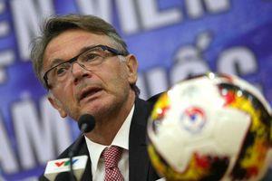 Tân HLV trưởng đội U.19 Việt Nam Philippe Troussier: 'Tôi như trợ lý của ông Park'