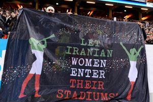 Bóng đá thế giới sốc vụ nữ CĐV Iran tự thiêu vì bị cấm vào sân