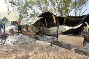 Hoảng hốt vì đốt rơm suýt gây cháy nhà