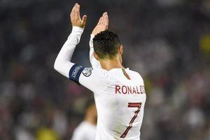 Lập 'cú poker', Ronaldo thiết lập cột mốc lịch sử
