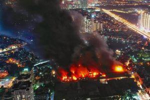 Vụ cháy Rạng Đông: Chính quyền lúng túng, dân hoang mang, không biết tin vào ai