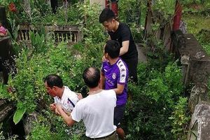 Hà Nội: Người dân bắt giữ đối tượng nghi bắt cóc trẻ em