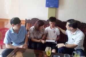Thăm hỏi, hỗ trợ các gia đình thuyền viên gặp nạn ở Quỳnh Lưu