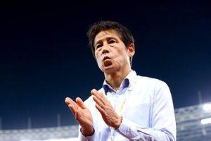 HLV Nishino nhận mưa lời khen từ đồng nghiệp Thái Lan