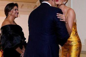 Ivanka Trump - con gái Tổng thống Mỹ lại gây sửng sốt bởi nhan sắc sexy hớp hồn phái mạnh