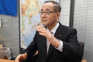 Bộ trưởng Môi trường Nhật Bản muốn xả nước thải nhiễm phóng xạ... ra biển