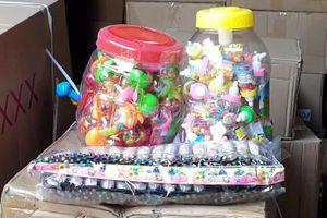 Bộ Công an thu giữ 50 tấn bánh kẹo, đồ chơi lậu trước trung thu