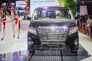 Top 5 xe bán ít nhất trong tháng 8 - Toyota, Isuzu chiếm 4 vị trí