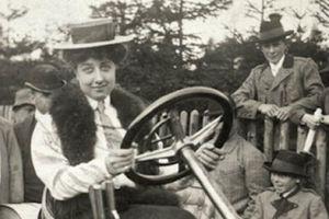 Người phụ nữ bí ẩn đằng sau thương hiệu ôtô nổi tiếng Mercedes-Benz