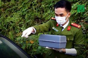 Tài xế tử vong trong chiếc xe ô tô chở học sinh ở Hà Nội
