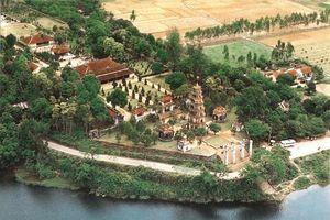 Ảnh màu cực quý về chùa Thiên Mụ một thế kỷ trước