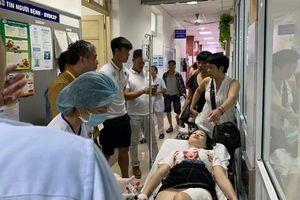 Fan nữ trúng pháo sáng: Chồng sốc vì 'thấy cả xương', viện phí ai lo?