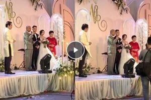 Con rể vàng trong năm: Bố vợ cho riêng tiền mặt 2 tỷ cùng nhà mặt phố Hà Nội 200m2