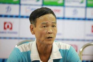 HLV của Nam Định lên tiếng sau sự cố 'pháo sáng' tại Hàng Đẫy