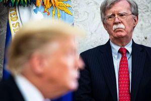 Vì sao ông Trump sa thải cố vấn an ninh quốc gia?