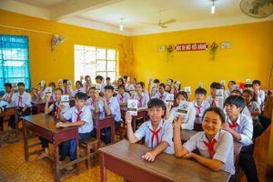 Sách quý đến với học sinh, thanh niên vùng sâu – vùng xa Bình Dương, Bình Phước