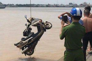 Vụ thi thể nhà báo nổi trên sông ở Sài Gòn: Công an đã tìm ra xe máy của nạn nhân