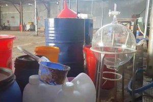 Chủ công ty cho nhóm người Trung Quốc thuê xưởng để sản xuất ma túy khai báo gì?