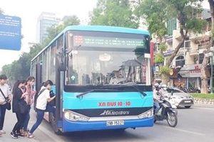 Hà Nội: Xe buýt được ưu tiên