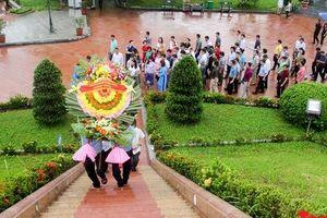Đảng ủy Bộ VHTTDL dâng hương tại Thành Cổ Quảng Trị và Nhà lưu niệm cố Tổng Bí thư Lê Duẩn
