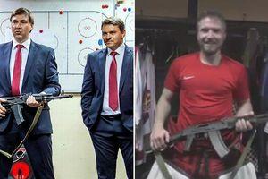 VĐV khúc côn cầu Nga được tặng… súng AK 47 vì màn trình diễn xuất sắc