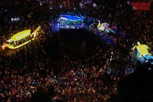 Tuyên Quang: Hàng vạn người đổ ra đường xem 'siêu đèn' Trung thu
