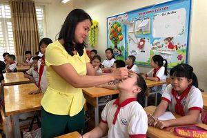 Hơn 1.000 học sinh Hạ Đình được khám sức khỏe sau vụ cháy Rạng Đông