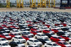 Người Việt ngại mua xe tháng 'cô hồn', doanh số ô tô sụt giảm mạnh