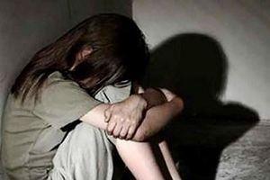 12 năm tù cho 'yêu râu xanh' là bác họ xâm hại bé gái 4 tuổi ở Hà Nội