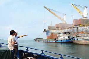 Đề xuất nạo vét khẩn cấp luồng hàng hải Cửa Gianh bị bồi lắng sau bão số 4