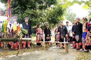 Lễ 'rửa làng' của dân tộc Lô Lô