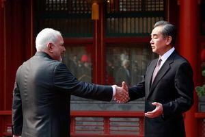 Mỹ đã đẩy Iran vào vòng tay Trung Quốc?