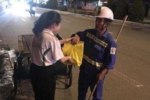 Trung thu ấm tình của công nhân vệ sinh môi trường Đà Nẵng