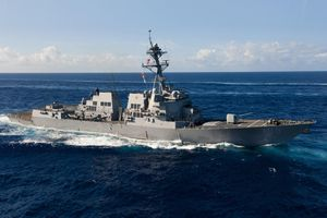 Tàu khu trục Mỹ thách thức yêu sách phi lý của Trung Quốc tại Hoàng Sa