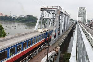TP Hồ Chí Minh: Cầu đường sắt Bình Lợi mới chính thức thông tàu sau 4 năm thi công