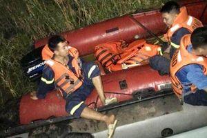 Xác định danh tính nạn nhân bị xe container tông rơi xuống sông Hồng