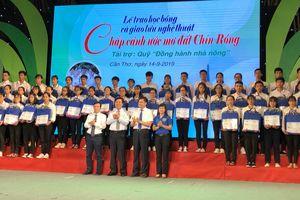 Học bổng 'Tiếp sức đến trường' cho tân sinh viên ĐBSCL