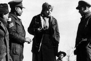 Người phụ nữ duy nhất đổ bộ lên Normandy