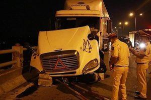 Lái xe gây tai nạn trên cầu Thanh Trì đã trình diện