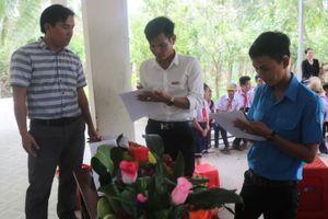 Báo Pháp Luật Việt Nam tặng quà trung thu học sinh trường tiểu học Giàn Gừa – Hòn Đất