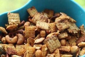 Sử dụng nhiều đồ ăn vặt có thể khiến sức khỏe và tinh thần sa sút