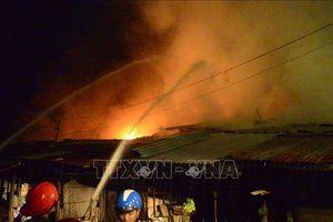 Cháy lớn thiêu rụi nhiều sạp hàng tại chợ Bình Long, Bình Phước