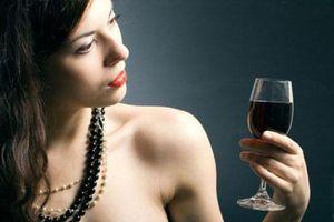 Vì sao phụ nữ nói, đòi hỏi, cằn nhằn nhiều và già nhanh hơn đàn ông?