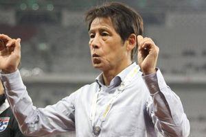 Vì điều này, HLV Nishino phải 'cầu xin' các đội bóng tại Thái Lan