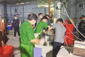 Khởi tố đường dây sản xuất ma túy khủng, bắt giam 7 người Trung Quốc