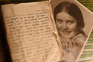 Công bố nhật ký đau lòng của cô gái Ba Lan bị phát xít Đức giết hại