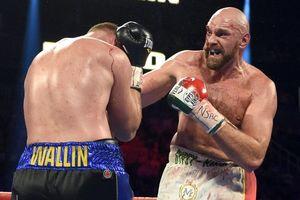 Chấn thương mắt nghiêm trọng, 'Gã hề' Tyson Fury vẫn hạ thuyết phục đối thủ bất bại