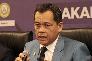Chủ tịch LĐBĐ Malaysia 'một đầu đội hai nón'