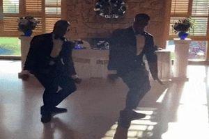 Điệu nhảy flash mob của cặp đồng tính gây bất ngờ tại tiệc cưới