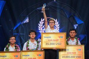 Chàng trai xứ Nghệ giành vòng nguyệt quế Đường lên đỉnh Olympia 2019